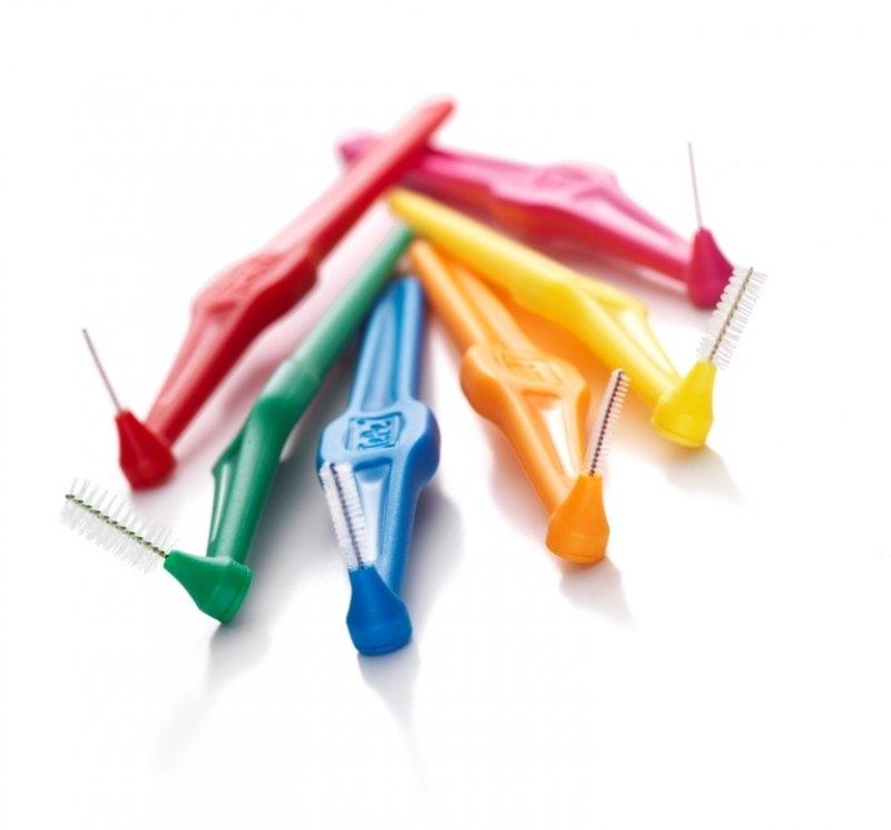Как чистить брекеты: описание процедуры и советы